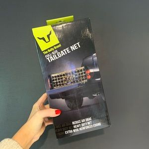 NIB The Bully Brand Full-Size Tailgate Net…